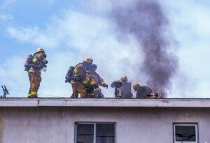 Incendio Fabbricati case di proprietà - Case con tetto in fiamme soffitta - Alessandro Pane Assicurazioni